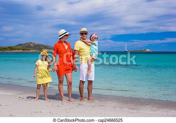 夏天, 家庭假期, 四, 在期間, 愉快 - csp24666525