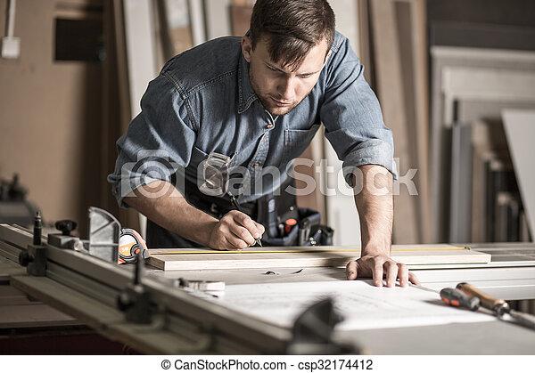 專業人員, 工作台, woodworker, 工作 - csp32174412