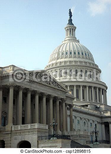 州議會大廈, 政府 - csp12898815