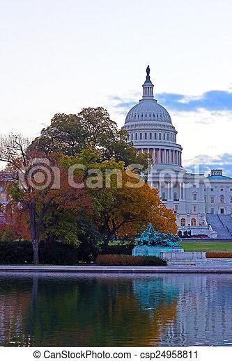 建築物, 州議會大廈, 我們, 秋天, 顏色, 黎明 - csp24958811