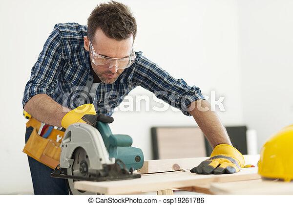 木匠, 木頭, 集中, 板, 鋸 - csp19261786