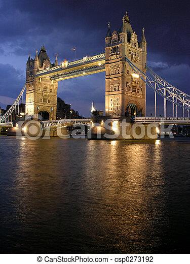 橋樑塔, 夜晚 - csp0273192