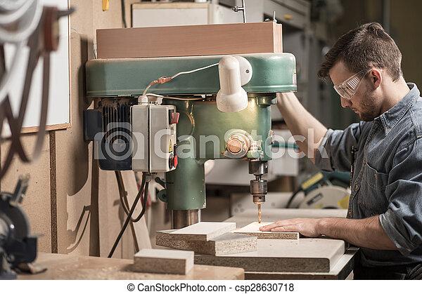 機器, 使用, 木匠, 操練 - csp28630718