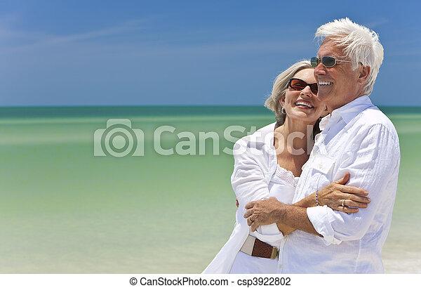 看, 夫婦, 熱帶, 海, 年長者, 海灘, 愉快 - csp3922802