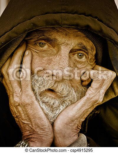 portrait-homeless, 沉思, 人 - csp4915295
